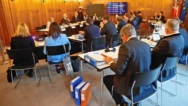 Der Untersuchungsausschuss wird am 19. Februar mit der Befragung der Zeugen fortgesetzt. (Bild: Christof Birbaumer / Kronenzeitung)