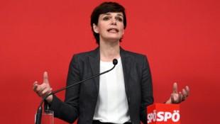 SPÖ-Chefin Pamela Rendi-Wagner lässt die Parteibasis über ihre Zukunft an der Spitze der SPÖ abstimmen. (Bild: APA/Helmut Fohringer)