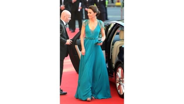 Herzogin Kate in einer Robe von Jenny Packham (Bild: www.pps.at)