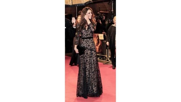 Herzogin Kate in dramatischer Spitze von Temperley London (Bild: www.pps.at)