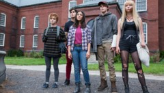 "Maisie Williams, Henry Zaga, Blu Hunt, Charlie Heaton and Anya Taylor-Joy in ""The New Mutants"" (Bild: © 2020 Twentieth Century Fox Film Corporation)"