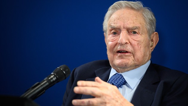 Eine erfolgreiche Wette gegen das Pfund machte Soros als Fondsmanager weltberühmt. Als großzügiger Spender förderte er schon im Kalten Krieg offene Gesellschaften in Mittel- und Osteuropa. (Bild: AFP)