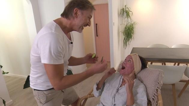 Nach ihrem Dschungel-Aus ging es für Sonja Kirchberger erst einmal ins Beauty-Spa. (Bild: TVNOW)