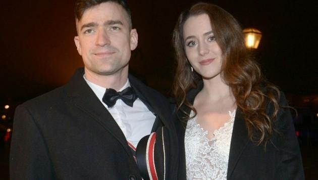 """Martin Sellner, Chef der """"Identitären"""" und seine Frau, die rechte Bloggerin Brittany Pettibone (Bild: APA/HERBERT PFARRHOFER)"""