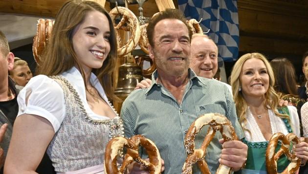 Christina Schwarzenegger, Arnold Schwarzenegger, Alfons Schubeck und Heather Milligan (Bild: APA/HANS PUNZ)