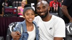 Kobe Bryant im vergangenen Juli mit seiner Tochter Gianna (Bild: APA/AFP/GETTY IMAGES/Ethan Miller)