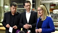 Einer der vielen Medientermine der neuen Regierung der letzten Wochen: Wirtschaftsministerin Margarete Schramböck (ÖVP), Bundeskanzler Sebastian Kurz (ÖVP) und Vizekanzler Werner Kogler (Grüne) im Rahmen eines Besuchs in einer Bäckerei in Wien (Bild: APA/Herbert Neubauer)