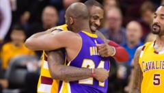LeBron James (li.) und Kobe Bryant (Bild: GETTY IMAGES NORTH AMERICA)