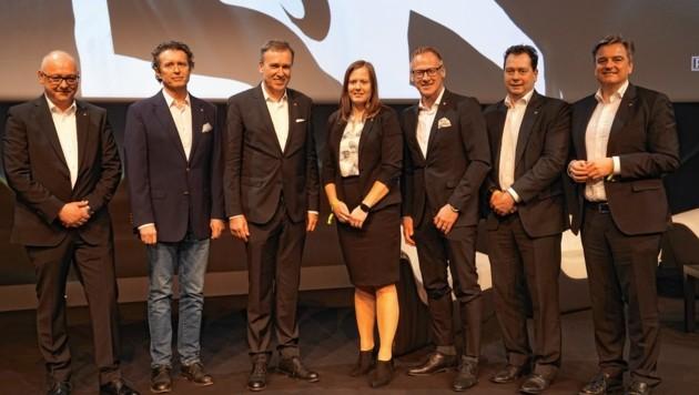 Der neue Sturm-Vorstand - erstmals mit Dame. (Bild: Pail Sepp)