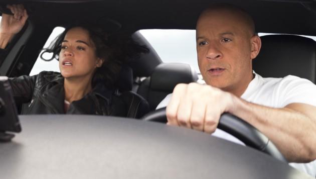 Letty (Michelle Rodriguez) und Dom (Vin Diesel) (Bild: © 2020 UNIVERSAL STUDIOS)