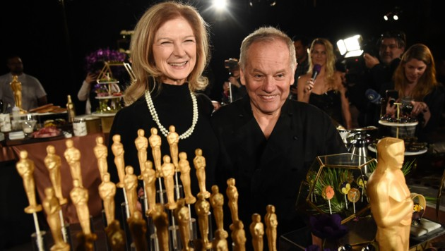 """Academy of Motion Picture Arts and Sciences""-CEO Dawn Hudson mit Koch Wolfgang Puck (Bild: APA/AP)"