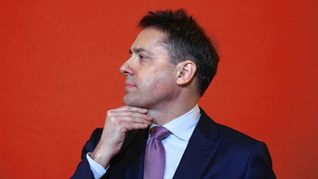 Unter Bogdan Roščić soll alles anders werden: Ein Personen-Komitee soll die Ball-Chefin ersetzen, Sponsoren, Image und Geld bringen und so den Opernball auf ein neues Niveau heben. (Bild: TOPPRESS Austria)