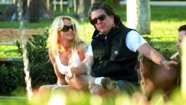 Pamela Anderson und Jon Peters (Bild: www.viennareport.at)