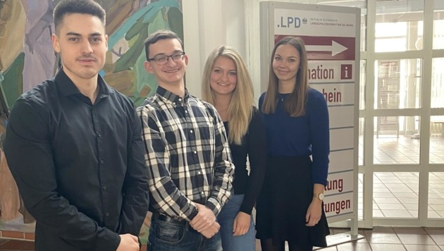 Albonit Emini, Kai Viehauser, Sabrina Gruber und Bettina Steinlechner, die ihre Lehre bereits abgeschlossen hat (v. li.) (Bild: Nikolaus Pichler)