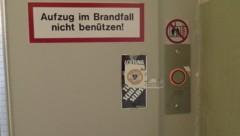 Die Kripo hatte zwei als defekt vermutete Lifttüren versiegelt. (Bild: Markus Schuetz)