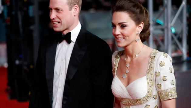 Herzogin Kate und Prinz William bei den BAFTAs in London (Bild: AFP )