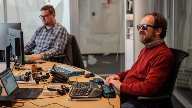 Mario Batusic Blind Blinder Mitarbeiter von Fabasoft Mindbreeze Linz Foto: Markus Wenzel (Bild: Markus Wenzel)
