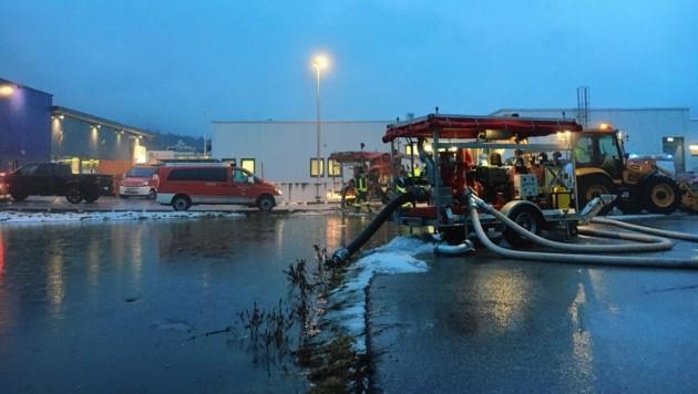Überflutungen im Stadtgebiet Wörgl (Bild: Zoom.Tirol)