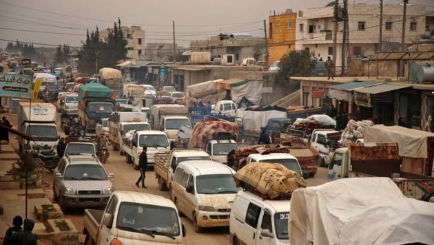 Massenflucht aus Idlib (Bild: AFP)