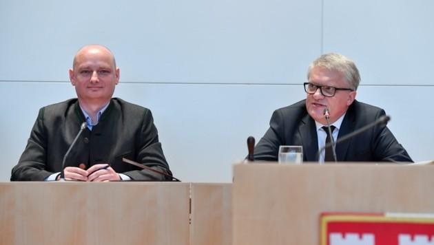 Wie soll sich Linz entwickeln? Nun stellten Planungsreferent Markus Hein und Stadtchef Klaus Luger (r.) eine Stadtentwicklungsstrategie vor. (Bild: Dostal Harald)