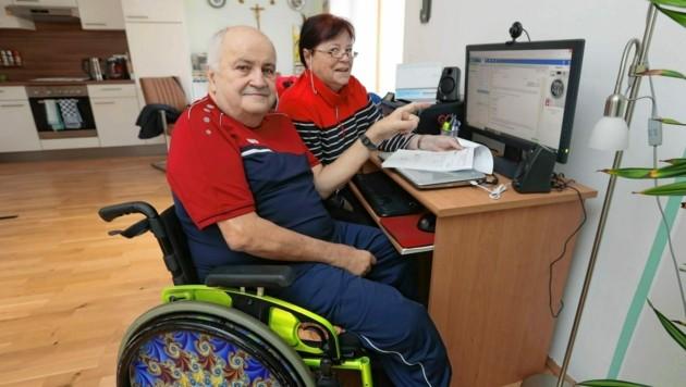 Für unterwegs wollten Franz G. und seine Lebensgefährtin einen leichten Rollstuhl kaufen - und fielen auf Betrüger herein. (Bild: Juergen RadspielerJürgen Radspieler)