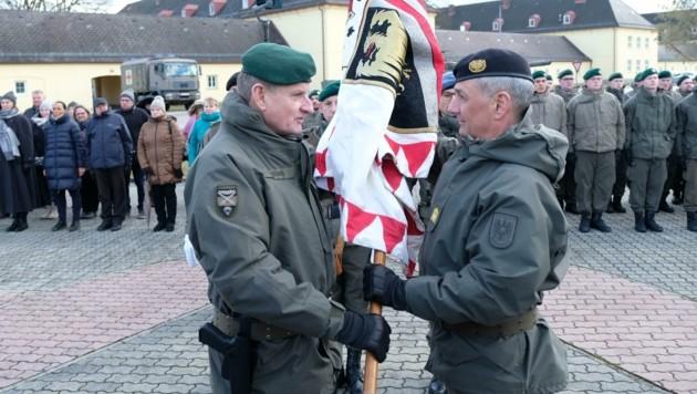 Dieter Muhr (re.) bei seiner Angelobung als neuer Militärkommandant Oberösterreichs Anfang Februar. (Bild: Einöder Horst)