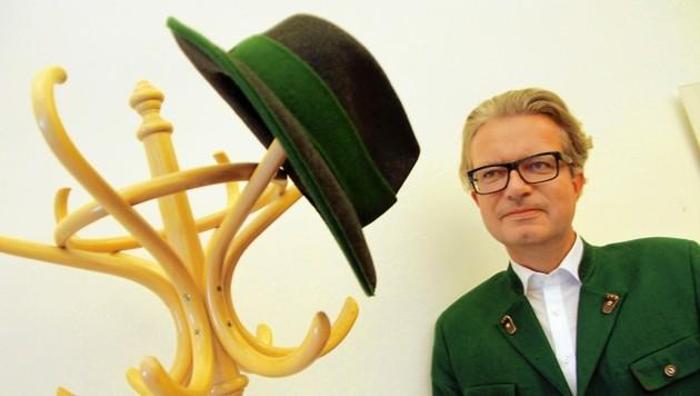Perfekt gerüstet für die neue Aufgabe: Kulturlandesrat Christopher Drexler ist nun auch für die Volkskultur zuständig (Bild: Jauschowetz Christian)