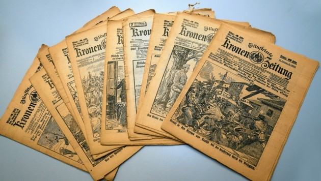 Originale Ausgaben der Kronen Zeitung. (Bild: Klemens Groh)