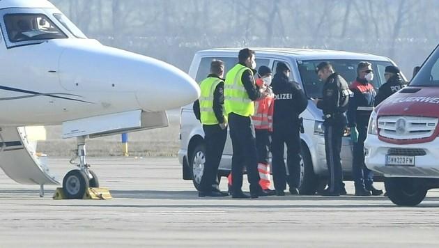 Die Betroffenen landeten am Sonntag in Wien-Schwechat. (Bild: Patrick Huber)