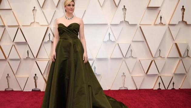 Greta Gerwig kam in einer olivgrünen Robe von Dior. (Bild: AFP)