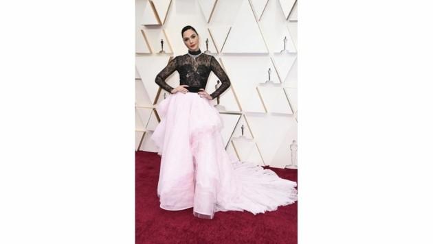 Gal Gadot in einer Prinzessinnen-Robe von Givenchy (Bild: 2020 Invision)
