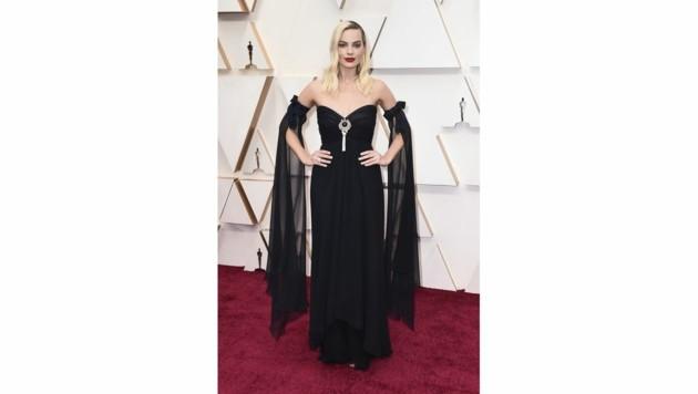 Margot Robbie trug eine schwarze Chanel-Robe. (Bild: 2020 Invision)