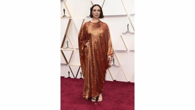Maya Rudolph verschwand fast ein bisschen in ihrer sackartigen Glitzerrobe von Valentino. (Bild: 2020 Invision)