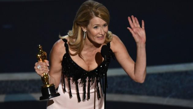 Laura Dern bedankte sich für ihren Oscar. (Bild: Chris Pizzello/Invision/AP)