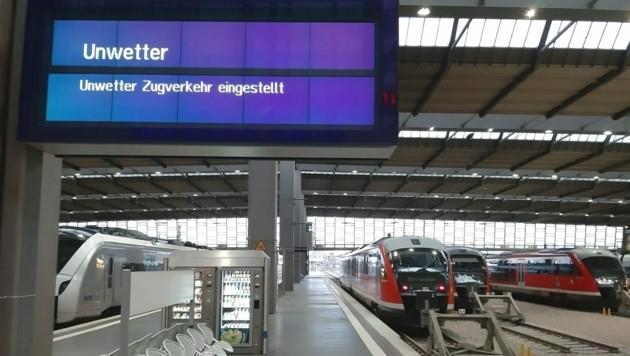 Fernzüge endeten in größeren Bahnhöfen - für viele Reisende war zwischendurch Endstation. (Bild: Michael P./soccerroundtheworld.com)