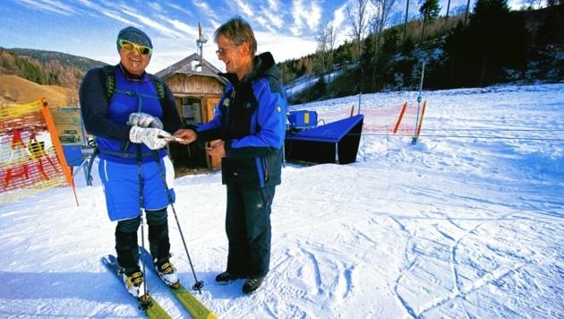 In Skigebieten wie Gerlitzen oder Dreiländereck ist das Pistengehen kostenpflichtig. Dafür wird aber in schneearmen Wintern ein Aufstieg mit Skiern ermöglicht. (Bild: Wallner Hannes)