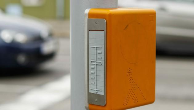 Die orangen akustischen Ampelanlagen klackern aus Sicht der Leser zu laut (Symbolbild). (Bild: ©edigrafie - stock.adobe.com)