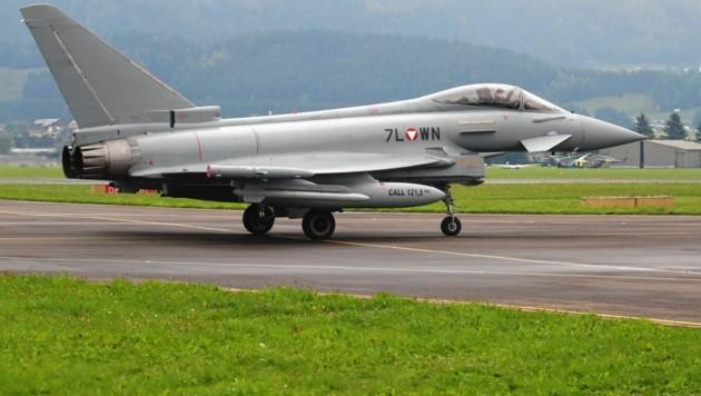 Vor fast 20 Jahren wurden die Eurofighter gekauft, für Wirbel sorgt ihre Beschaffung noch immer. (Bild: Sepp Pail)