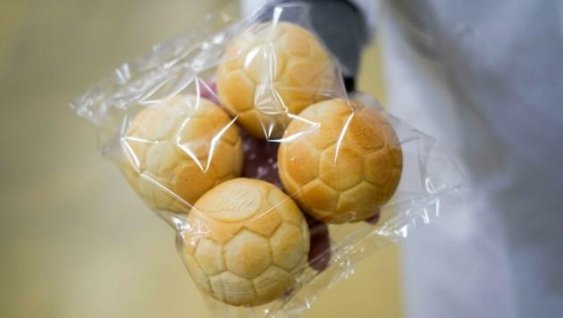 Sie sind bei Sportbegeistern beliebt: Brote in Ballform (Bild: Wenzel Markus)