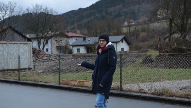 Anrainerin Birgit Eder wohnt direkt neben dem Grundstück für das geplante Privatmuseum. (Bild: z.V.g.)