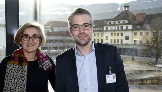 Der neue Pflegedirektor Stephan Palaver mit Beate Czegka, Pflege-Managerin der Tirol Kliniken (Bild: Andreas Fischer)
