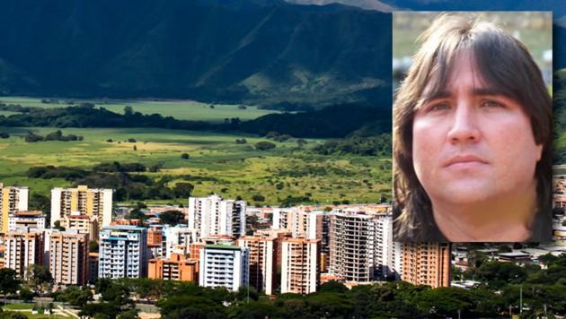 Matias Salazar (56) hielt die Frau mehr als drei Jahrzehnte in Maracay gefangen. (Bild: facebook.com/stock.adobe.com)