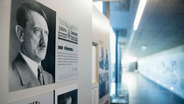 Am Obersalzberg, wo früher die Häuser und Bunker der Nazis standen, hat Bayern ein Dokumentationszentrum bauen lassen. (Bild: APA/dpa/Matthias Balk)