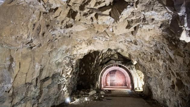 """Ein ehemaliger NS-Bunker, der heute zum Dokumentationszentrum am Obersalzberg gehört. So ähnlich sehen die Bunkeranlagen des """"Türken"""" aus, die von Neonazis immer wieder als Pilgerstätte genutzt werden. (Bild: AFP)"""