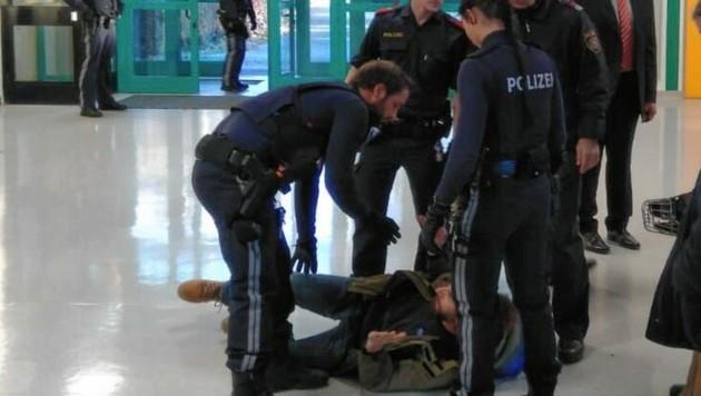 Der Polizeieinsatz in der Schule hat für viel Aufregung gesorgt. (Bild: z.V.g.)