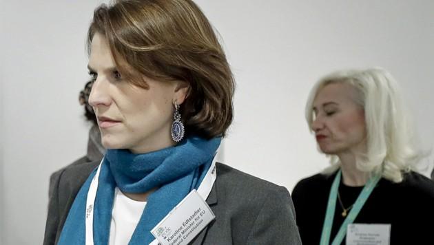 EU-Ministerin Karoline Edtstadler hat in den vergangenen zehn Tagen eine Tour durch Europa (hier im Bild gerade in Schweden zu sehen) absolviert. (Bild: APA/BKA/HANS HOFER)