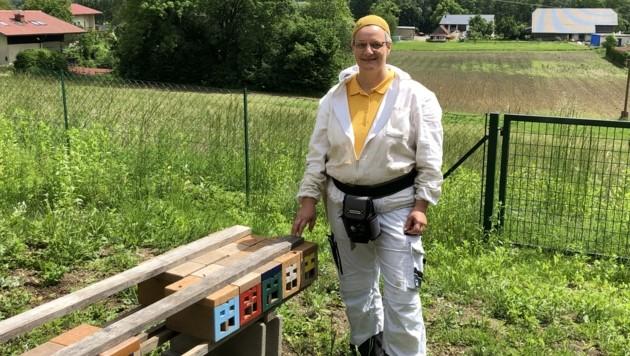 In der Imkerschule gibt's Kurse – auch bei Wanderlehrerin Michaela Kohlbacher-Schneider. (Bild: Elisabeth Nachbar)