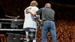 Mit Tränen in den Augen verließ Elton John die Bühne. (Bild: instagram.com/eltonjohn)