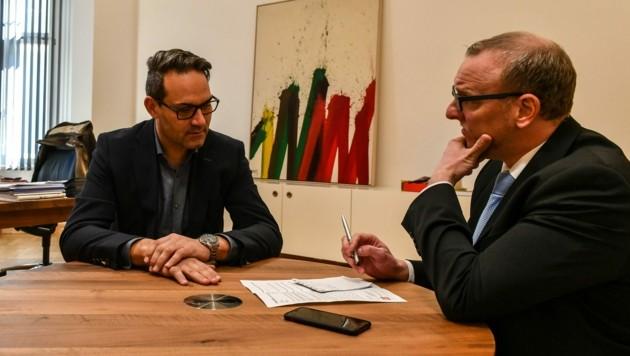 """Unternehmer, Bürgermeister und Präsident: Christoph Walser (45) aus Thaur stand Markus Gassler, Chef vom Dienst der """"Tiroler Krone"""", vor der Wahl Rede und Antwort. (Bild: Liebl Daniel)"""