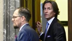 Hauptangeklagter Karl-Heinz Grasser mit seinem Anwalt Norbert Wess (Bild: APA/HANS PUNZ/APA-POOL)